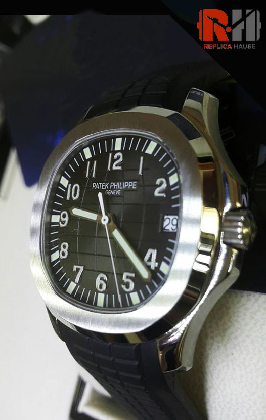Patek Philippe Aquanaut Swiss Watch 18